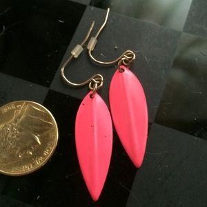 Vintage hot pink metal Earrings